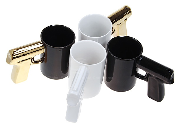 Unique Pistol Cup Modelling Show the Diversity of Ceramics (Golden and Black)