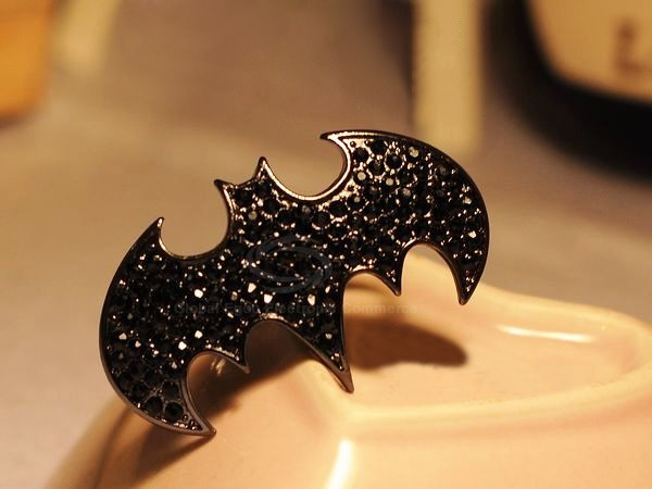 Punk Style Rhinestoned Bat Shape Finger Ring
