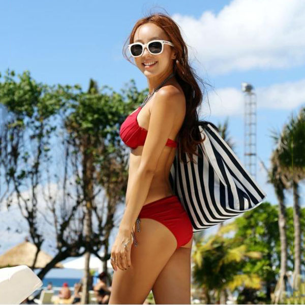 XL Size Hot Sale Fashion Women's Sexy Bikini Hot Spring Bathing Suit Swimsuit with Chest Pad (Red)