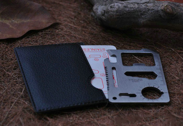 Three Functions Expedition Magnesium Fire Starter with Multi-function Outdoor Knife Saber Card