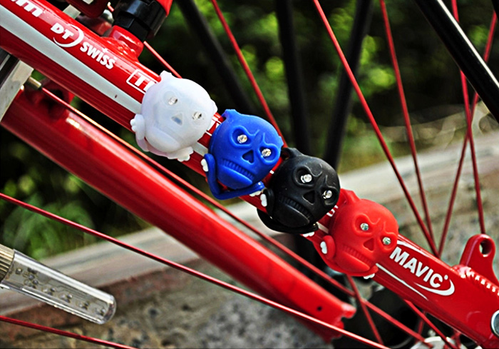2PCS Colorful Skull Head Pattern 2-LED 3 Mode Bicycle Bike Tail Light for Safety Night Cycling