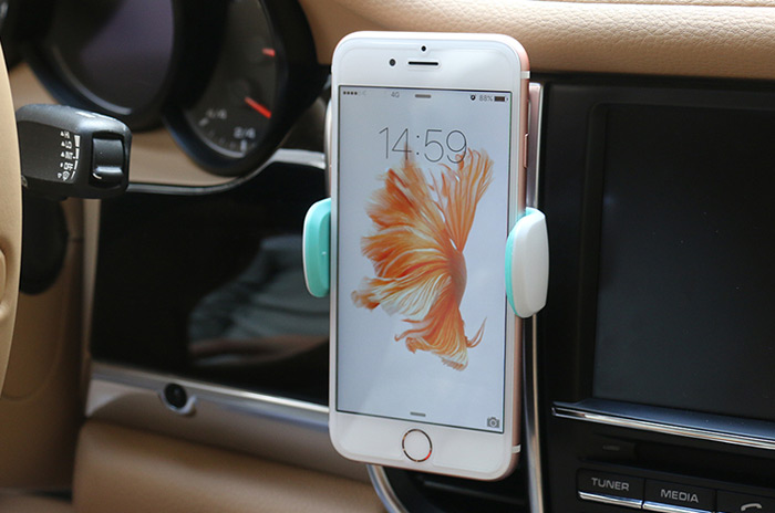 USAMS Universal Mobile Phone Bracket Holder on Car Air Vents for Mobile Phone Under 6 inch