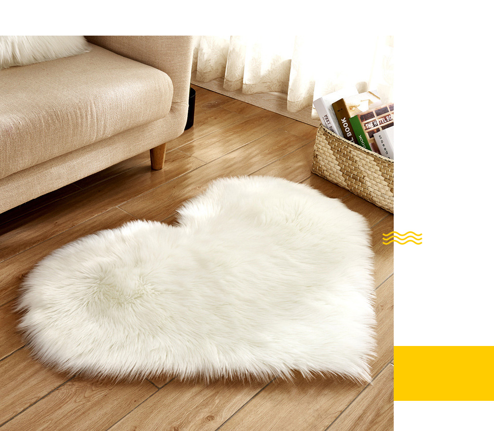 Love Heart Shape Artificial Wool Area Carpet for Home Decoration- White 40x50