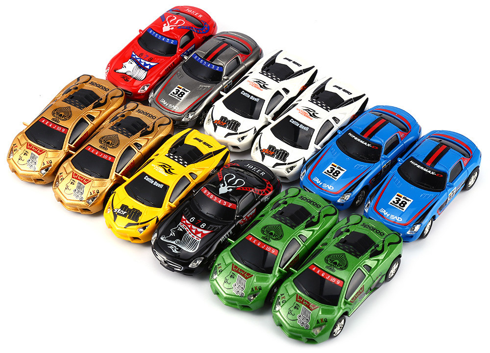 GREAT WALL TOYS 2221 Poker 2 4G Racing Car 1 : 67 Ratio RC Model Toy