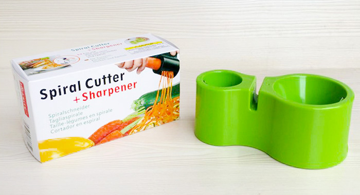 2 in 1 Spiral Cutter with Knife Sharpener Function - Green
