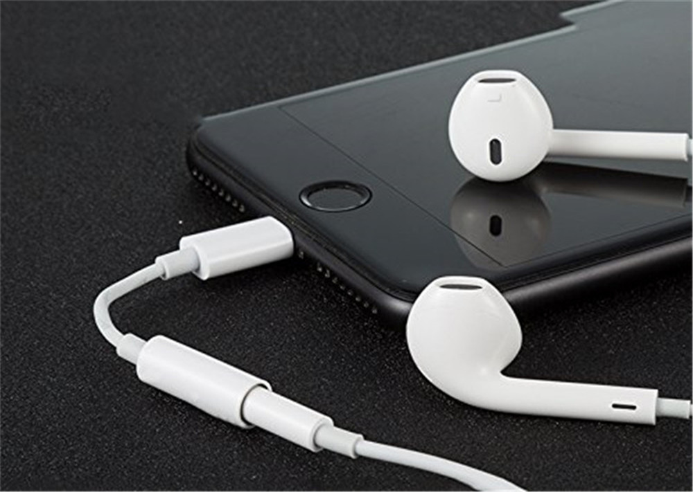 Lightning Adapter to 3.5mm Headphone Earphone Adapter Convenient and Suitable for iPhone 6/6s/7/7 Plus/8- White