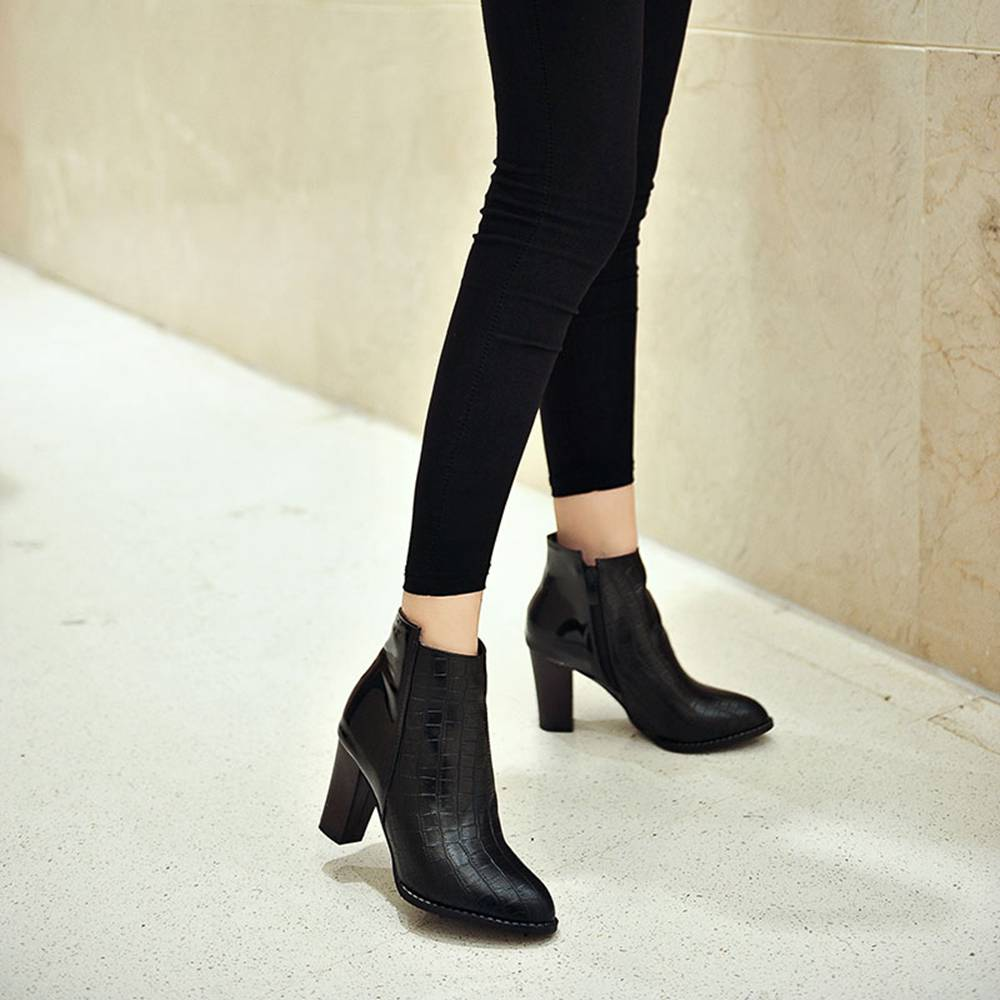 Autumn and WinterNew Women Shoes British Sharp Heels and Ankle Boots Rough Heel Boots