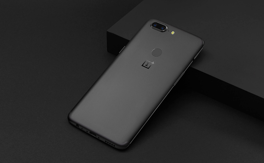 OnePlus 5T 4G Phablet Android 7.1 6.01 inch Snapdragon 835 Octa Core 2.45GHz 8GB RAM 128GB ROM 16.0MP + 20.0MP Dual Rear Cameras Fingerprint Scanner Full Optic AMOLED Screen - White