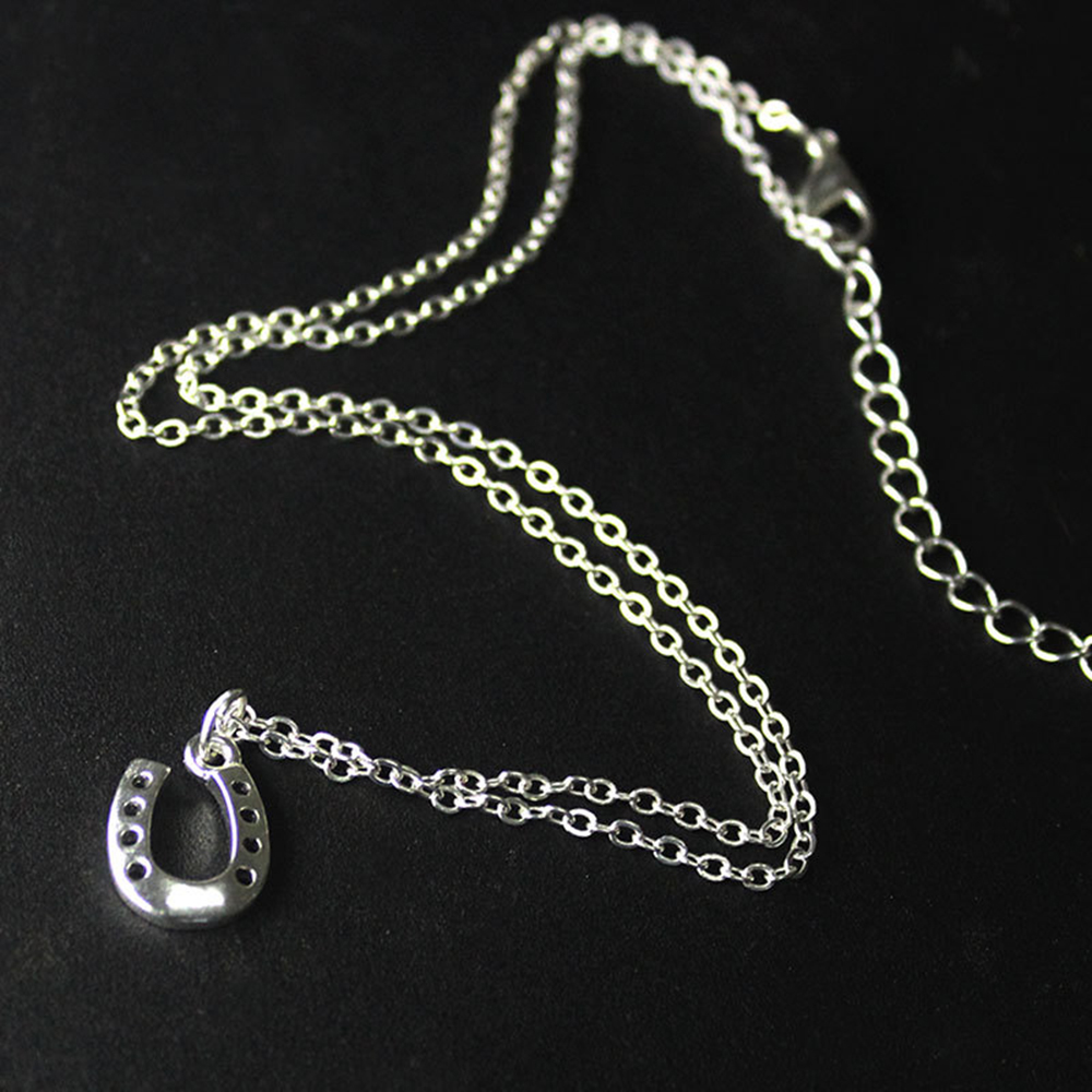 U shape fashion lady charm pendant necklace chain