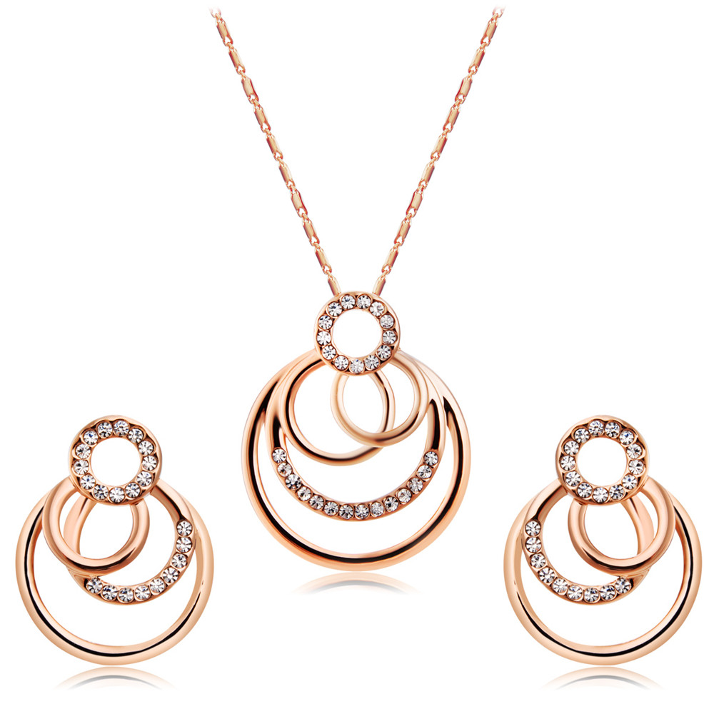 Classic Overlapping Circle Earrings and Necklace Set