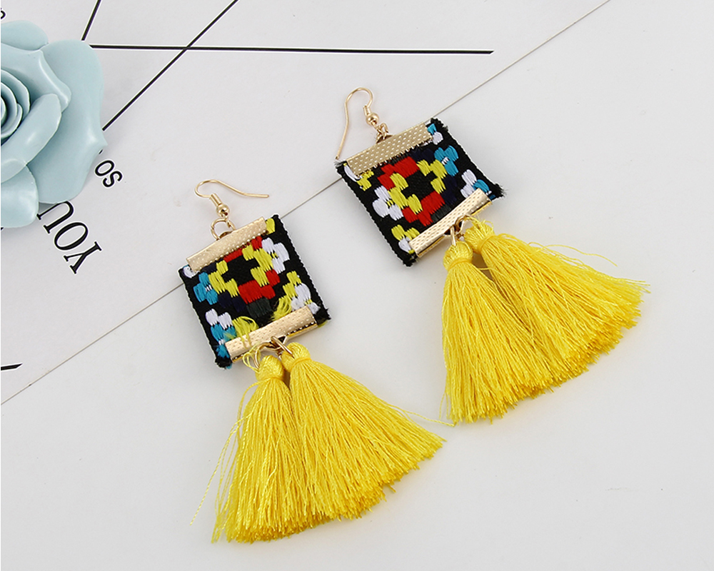 7dfb8b5de3 Back Finding: Push-back. Metal Type: Zinc Alloy Surface Plating: 18K Gold  Plated Material: Cotton Setting Type: None Style: Bohemia Size (CM):  2.5*11cm
