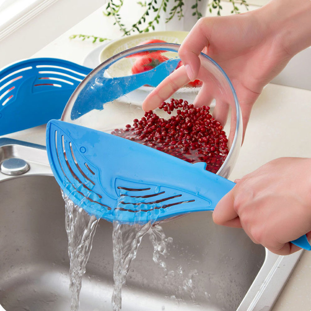 Cooking Tools Kitchen Tool The Whale Shaped Handle Type Water Filter Frame Rice Washer Creative- Blue