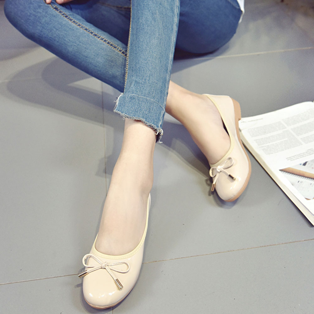 Spring and Summer Sets of Round Flat Shoes