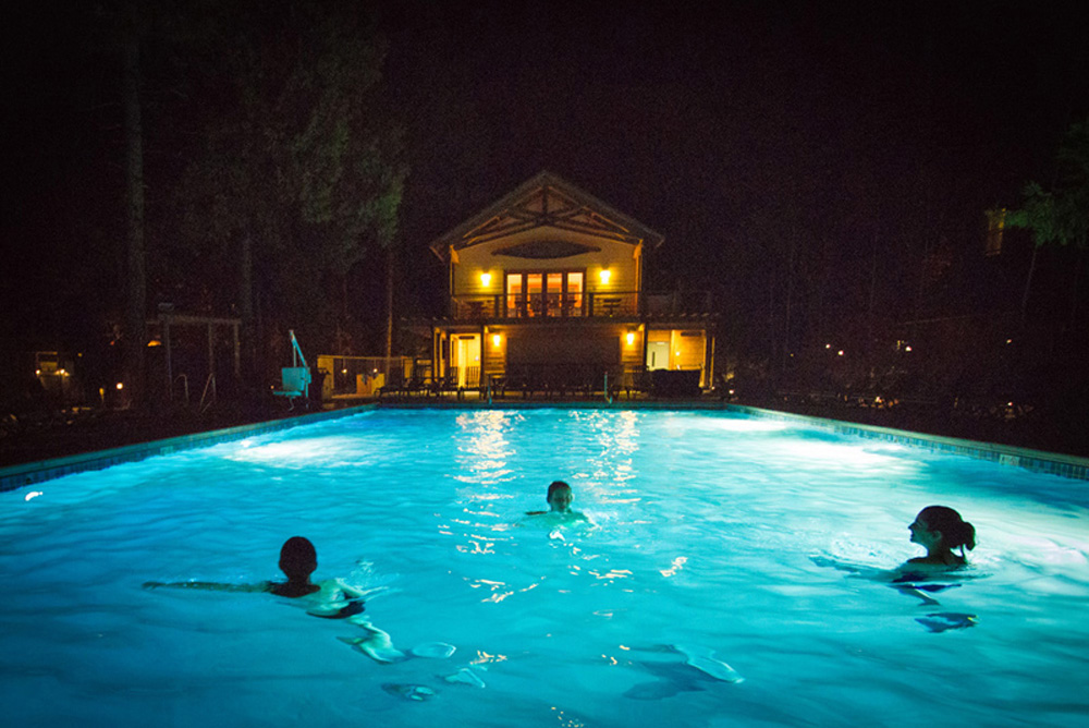 swimming features pools lights about underwater lighting light inground parrott swimmingpool pool com