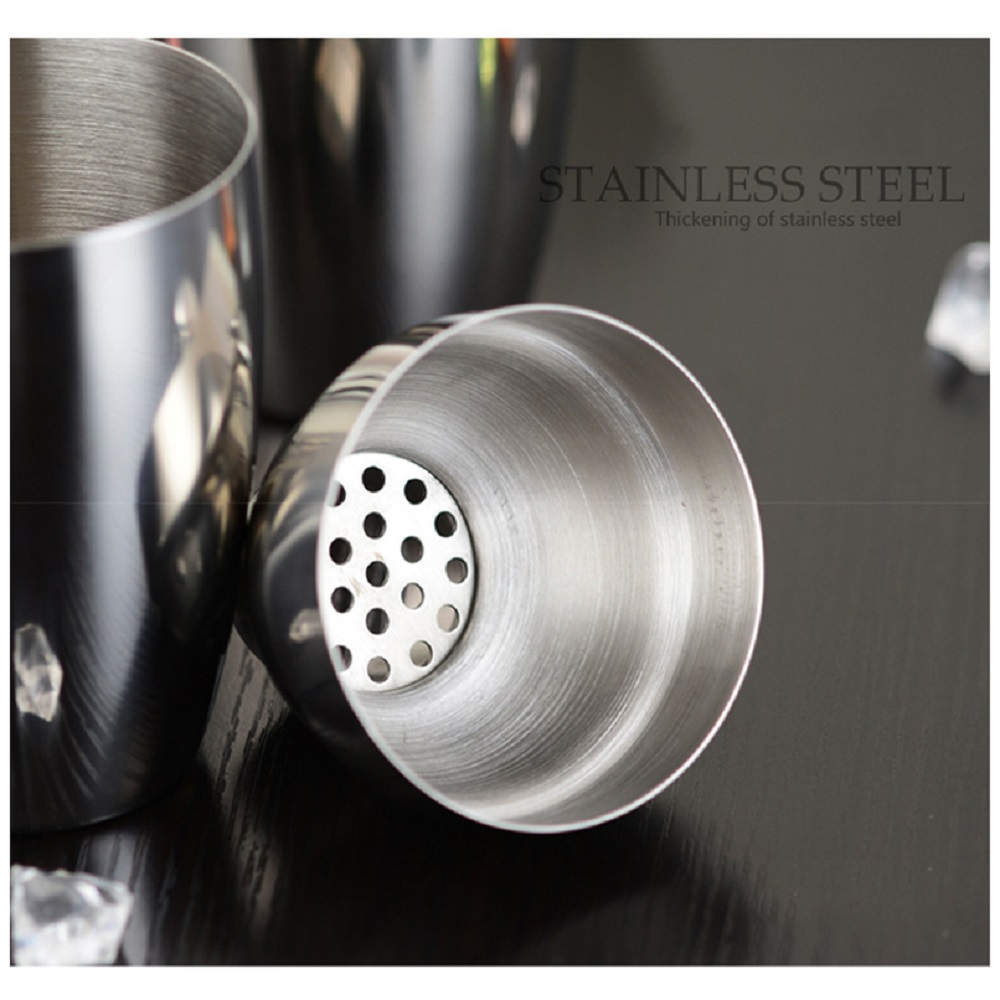 550ml Stainless Steel Cocktail Martini Shaker Cocktail Mixer Wine for Bar Party- Silver