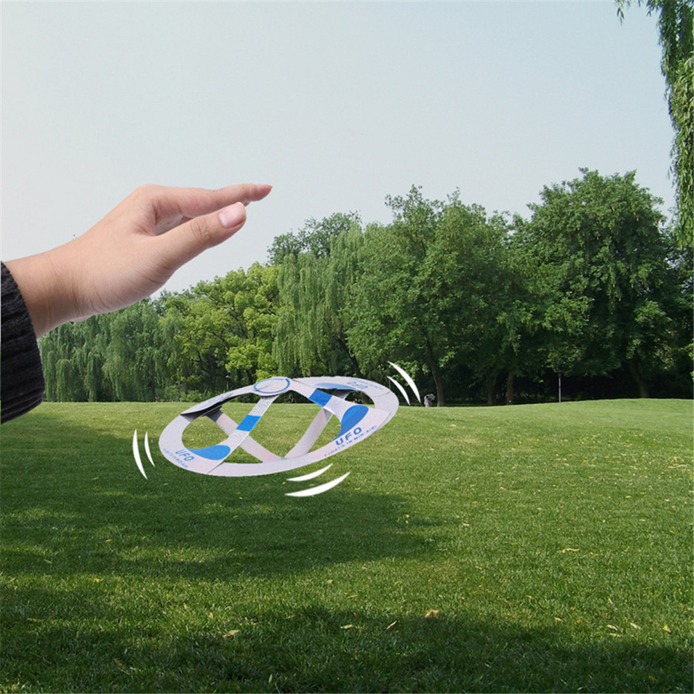 Aerial Flying Saucer New Special Child Magic Prop Toy- Multi